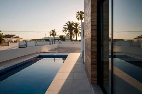 A construction project of 2 semi-detached houses with pool Torrevieja June 2020